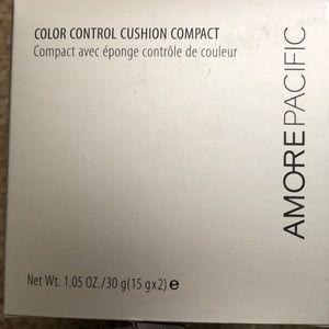2 AmorePacific color control compact 🌱
